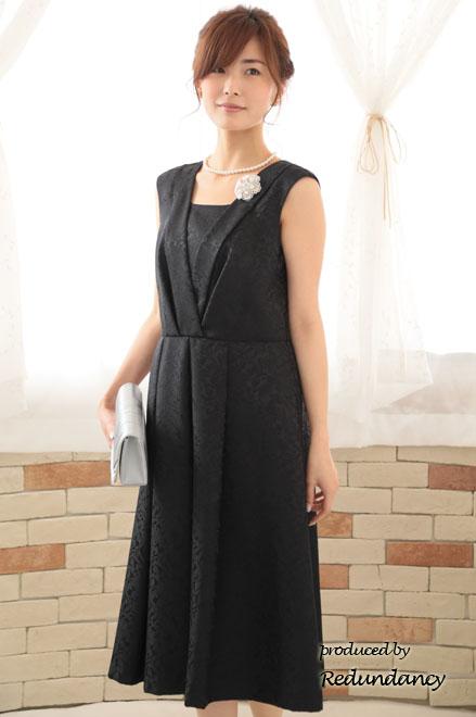 41fa989fe5806 ドレスの生地は薄すぎず、安っぽくない上品な光沢があるもの ...