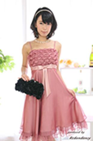 女性らしさNo.1のピンクのパーティードレス