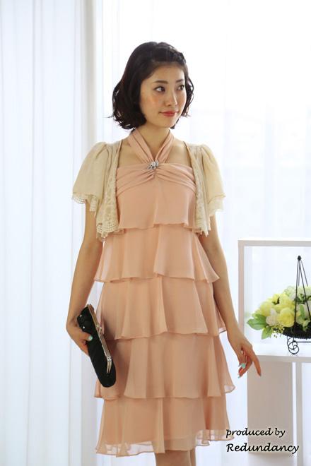 冬の結婚式服装ピンクドレス